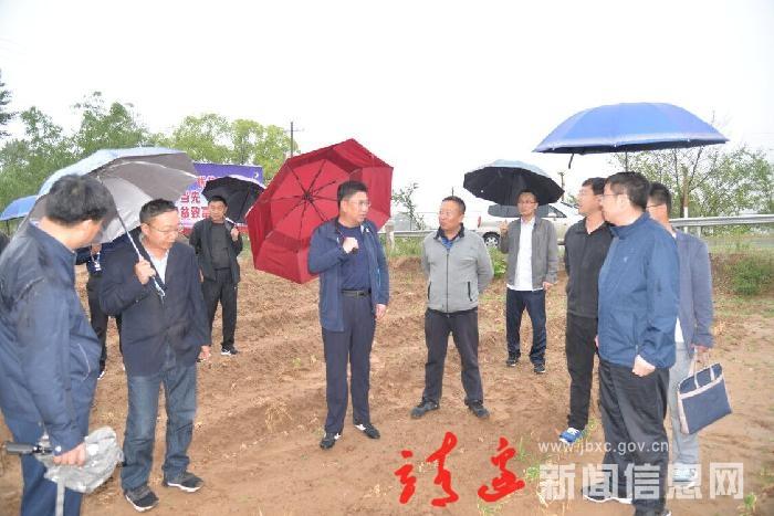 刘维平到南部乡镇调研农业农村工作