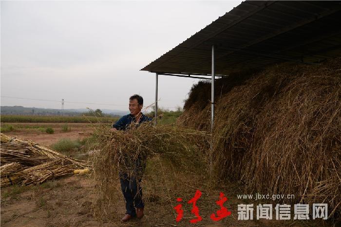 靖边:庙湾村胡培生过上了好光景