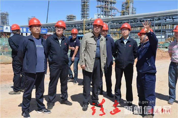 刘维平调研全县重点项目进展情况时强调: 加快各项工程进度,确保重点项目如期推进