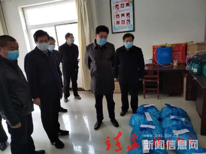 劉維平檢查高三開學前準備工作時強調:夯實責任,確保安全!